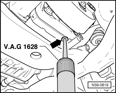Checking_oil_level_or_changing_oil_in_haldex_coupling