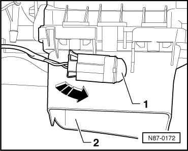 Removing_and_installing__footwell_vent_temperature_sender_g192