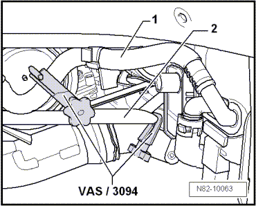wiring harness bulkhead connector with Removing Engine Golf Golf Plus Touran Scirocco And Tiguan on Freightliner Flb Main Cab Wiring Harness Connectors Diagram further Part e also 19u8a Procedure Removing Dash 98 Lincoln also Removing and installing  temperature sender before particulate filter g506 likewise Replace charge pressure sensor.